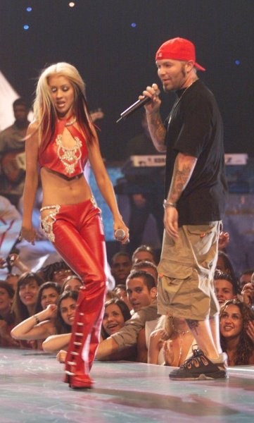 2000-MTV-VMAs-Performance-Christina-Fred-Durst